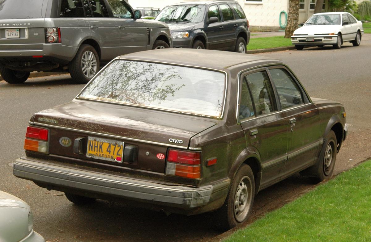 OLD PARKED CARS.: 1981 Honda Civic.