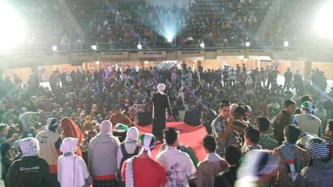 Bogor kumpulkan dana Rp 485 juta dalam satu jam dalam acara Konser Kemanusiaan Peduli Palestina diadakan oleh KNRP di Kampus IPB