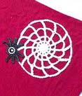 http://translate.googleusercontent.com/translate_c?depth=1&hl=es&rurl=translate.google.es&sl=en&tl=es&u=http://beacrafter.com/crochet-spider-web-applique/&usg=ALkJrhjMY-FJLtPXlnh4vPednx-PIKS1Rg