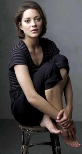 Foto de Marion Cotillard con pelo corto