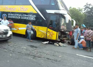 Photo Sempati Star Double Decker Vs Honda Beat di Aceh Timur