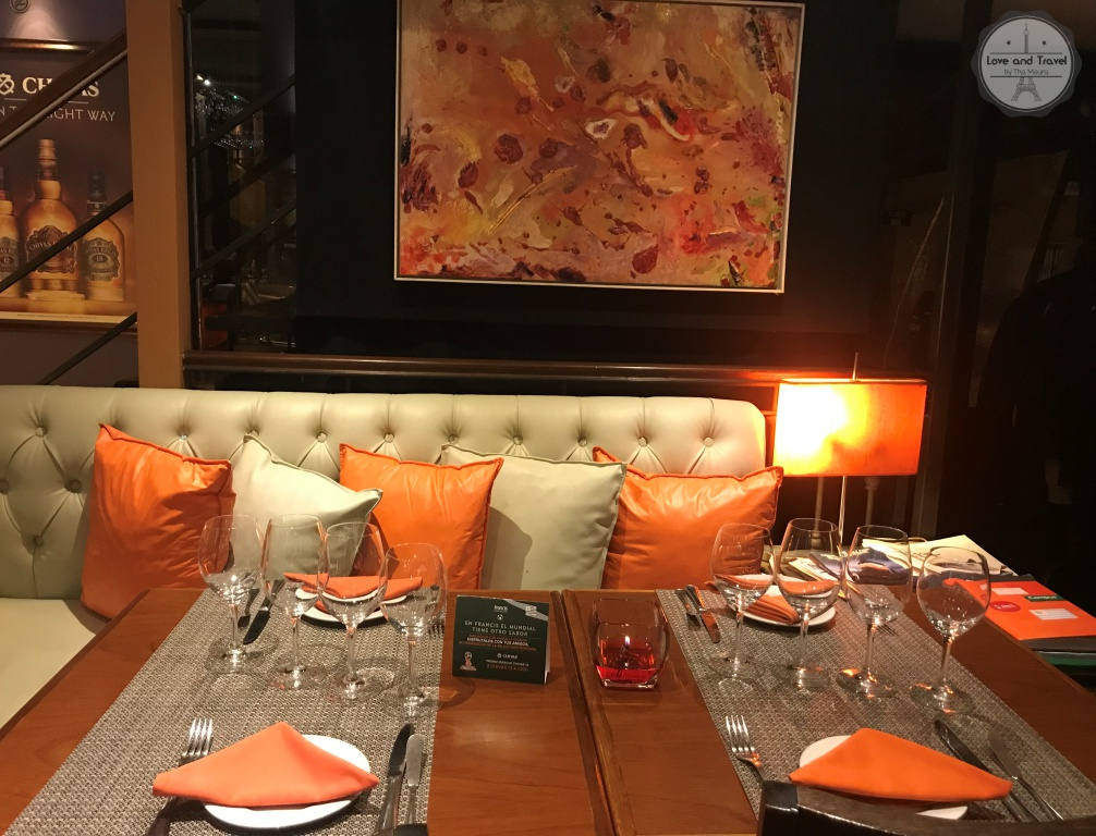 Francis Restaurant
