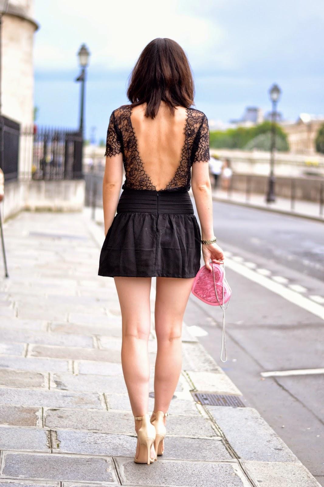 露背连衣裙