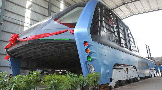 O ônibus ecologicamente correto do futuro era uma fraude, mas a Xinhuanet espalhava que o Brasil teria pensado comprar