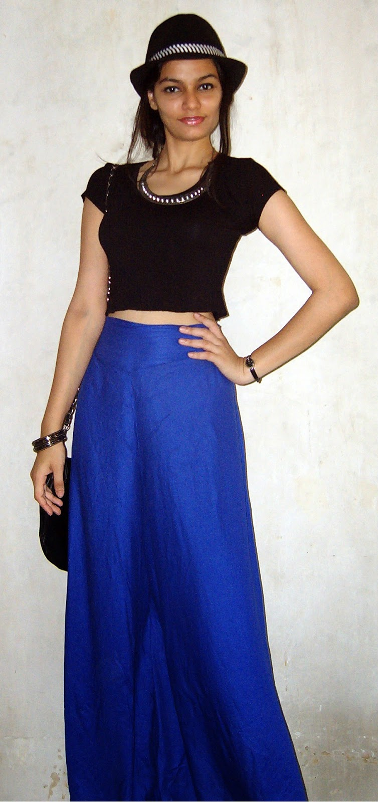 how to wear palazzo pants, mumbai streetstyle, how to wear croptops, bright blue palazzo pants, how to wear hats, look for less, mumbai street shopping, colaba causeway street shopping, spiked necklace, palazzo pants