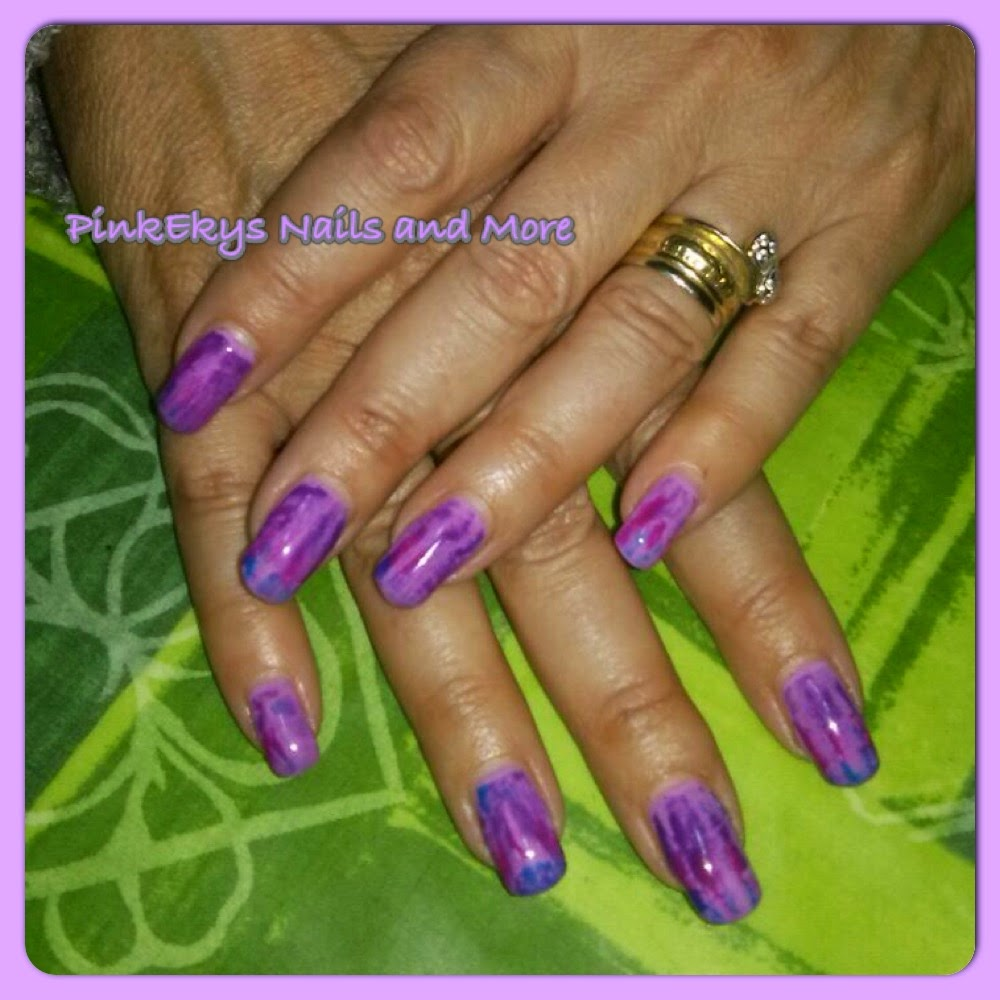 pinkekys unghie in gel violet spring nails