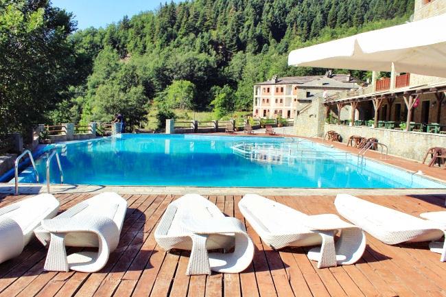 Αχελωίδες ξενοδοχείο πισίνα
