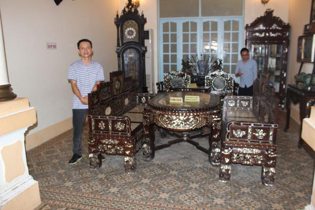 Bộ trường kỷ ngũ sơn gia đình công tử Bạc Liêu
