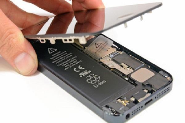 thay mới pin cho iPhone 8