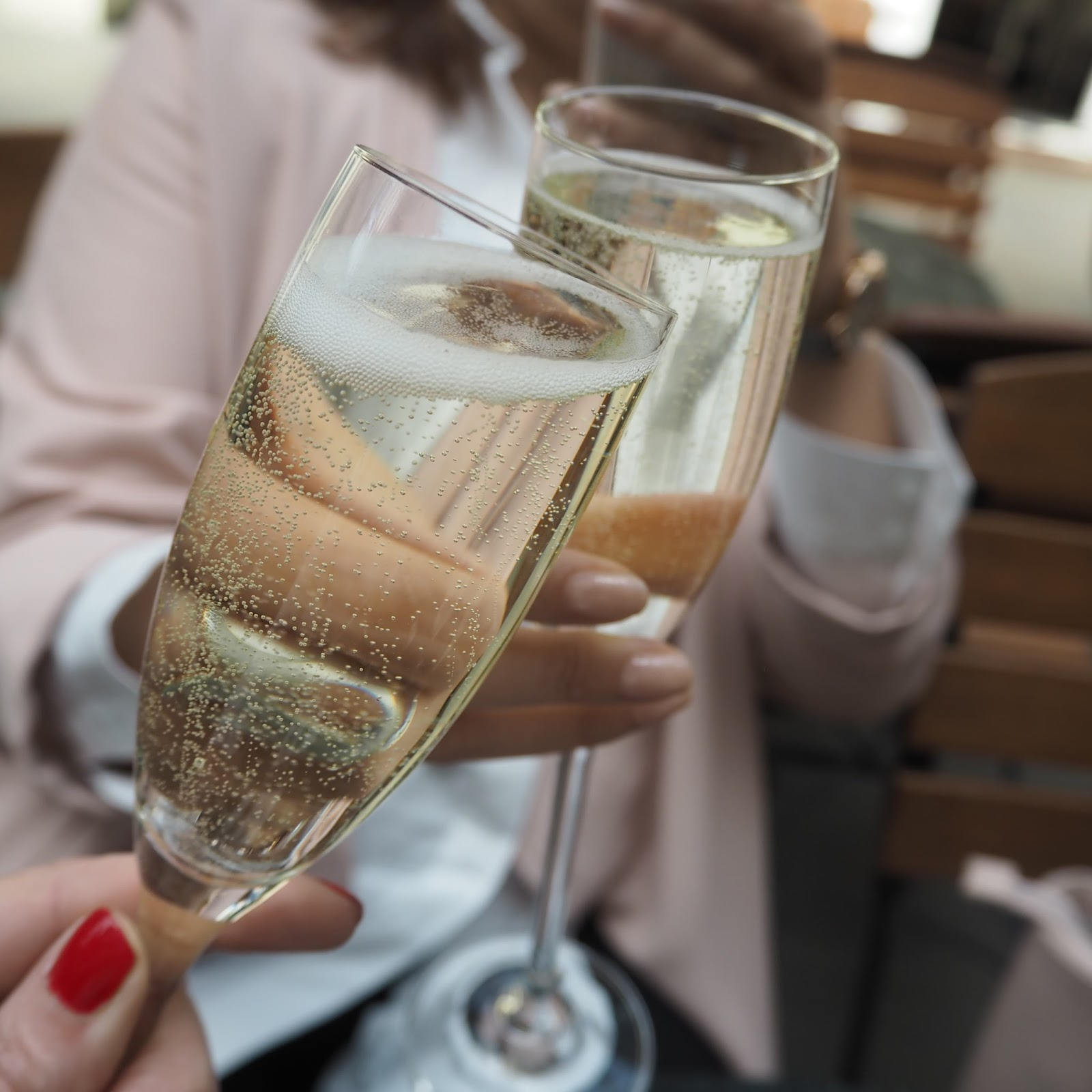 What-Lizzy-Loves-Barefaced-Chic-Covent-Garden-Prosecco