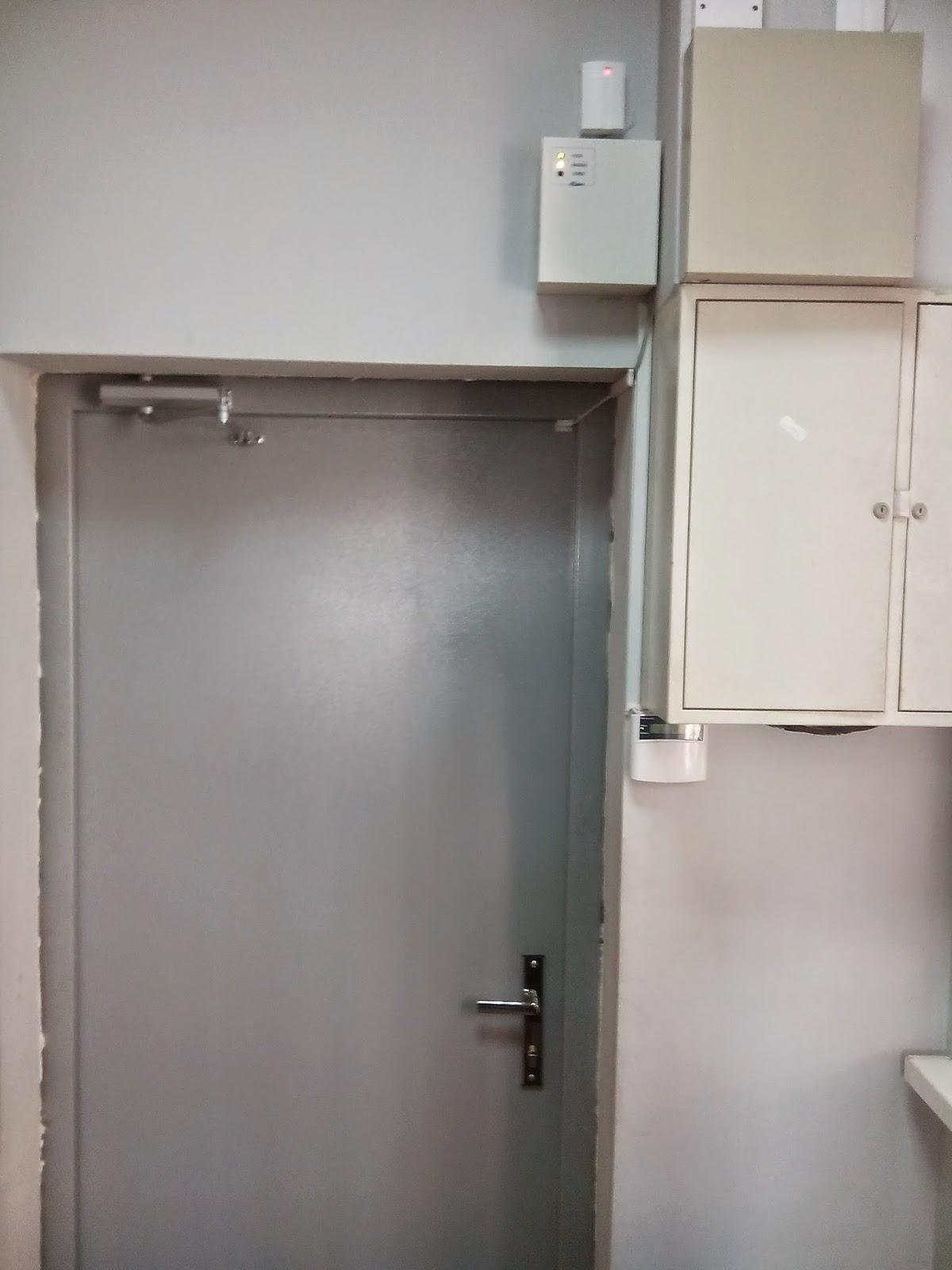 ЛоксМайстер Буковина встановлює нові двері з СКД
