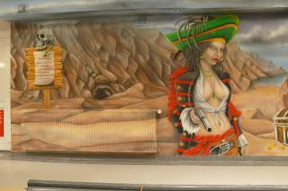 Malowanie obrazów na ścianie, aranżacja kręgielni, mural 3D, Warszawa aranżacja klubu