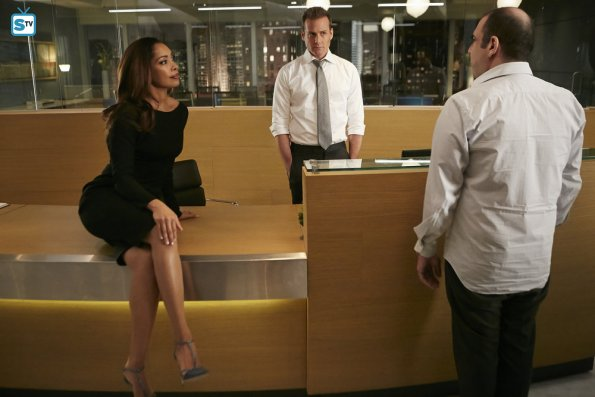 Suits - To Trouble - Review: Season Premiere