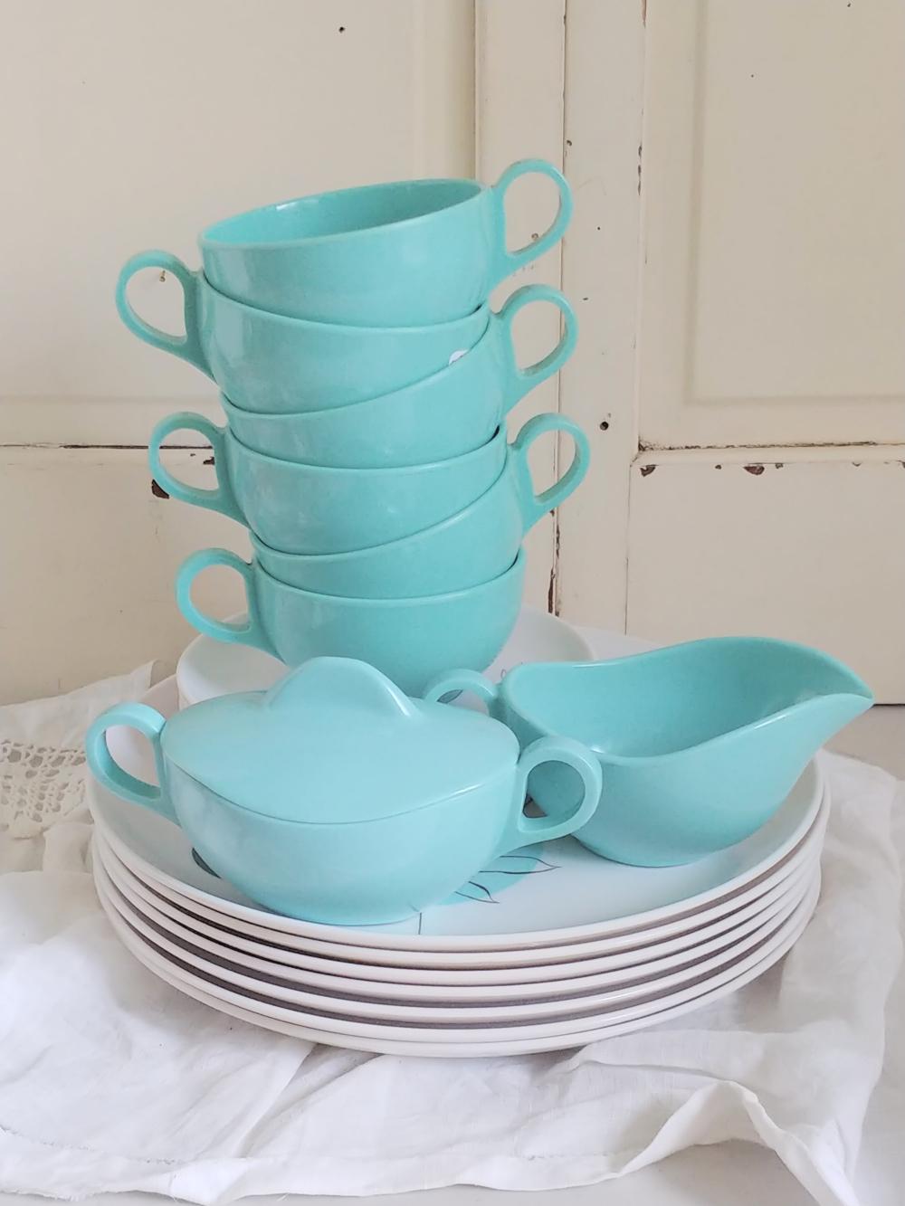 Melamine dishes