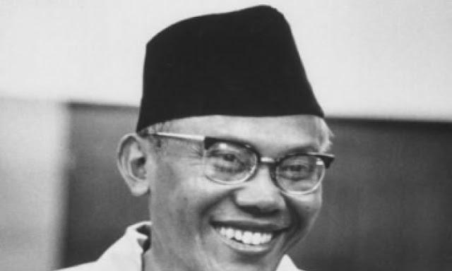 Syarifuddin Prawiranegara, Presiden Termiskin yang Terlupakan