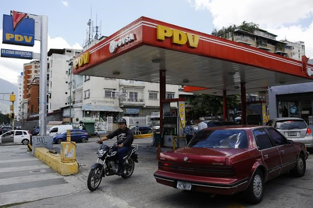 Venezuela importó de EEUU 42.000 barriles de gasolina al día en el primer trimestre 2017