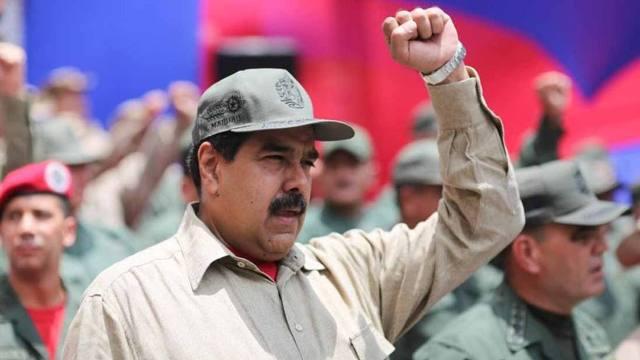 Oposición reaccionó ante anuncio de Maduro de dar fusiles a milicianos