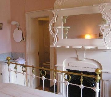 Room 17 At The St James Hotel In Cimarron New Mexico Is Said To Be Haunted By Mary Elizabeth Lambert Wife Of A Former Owner