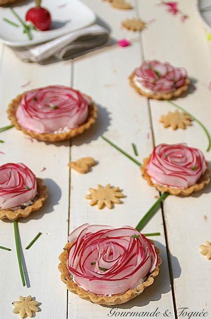 gourmande toqu e tarte fleur aux radis parce que c 39 est le printemps. Black Bedroom Furniture Sets. Home Design Ideas
