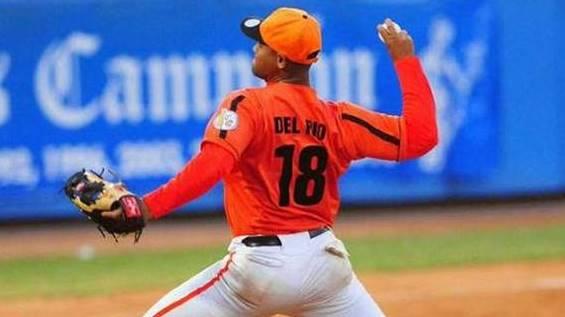 El derecho de 25 años de edad entró al roster para la décima semana de acción y ya son 17 los peloteros cubanos que han pasado por la Liga Venezolana este año