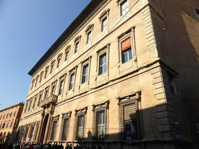 Bologna-Palazzo-Bentivoglio