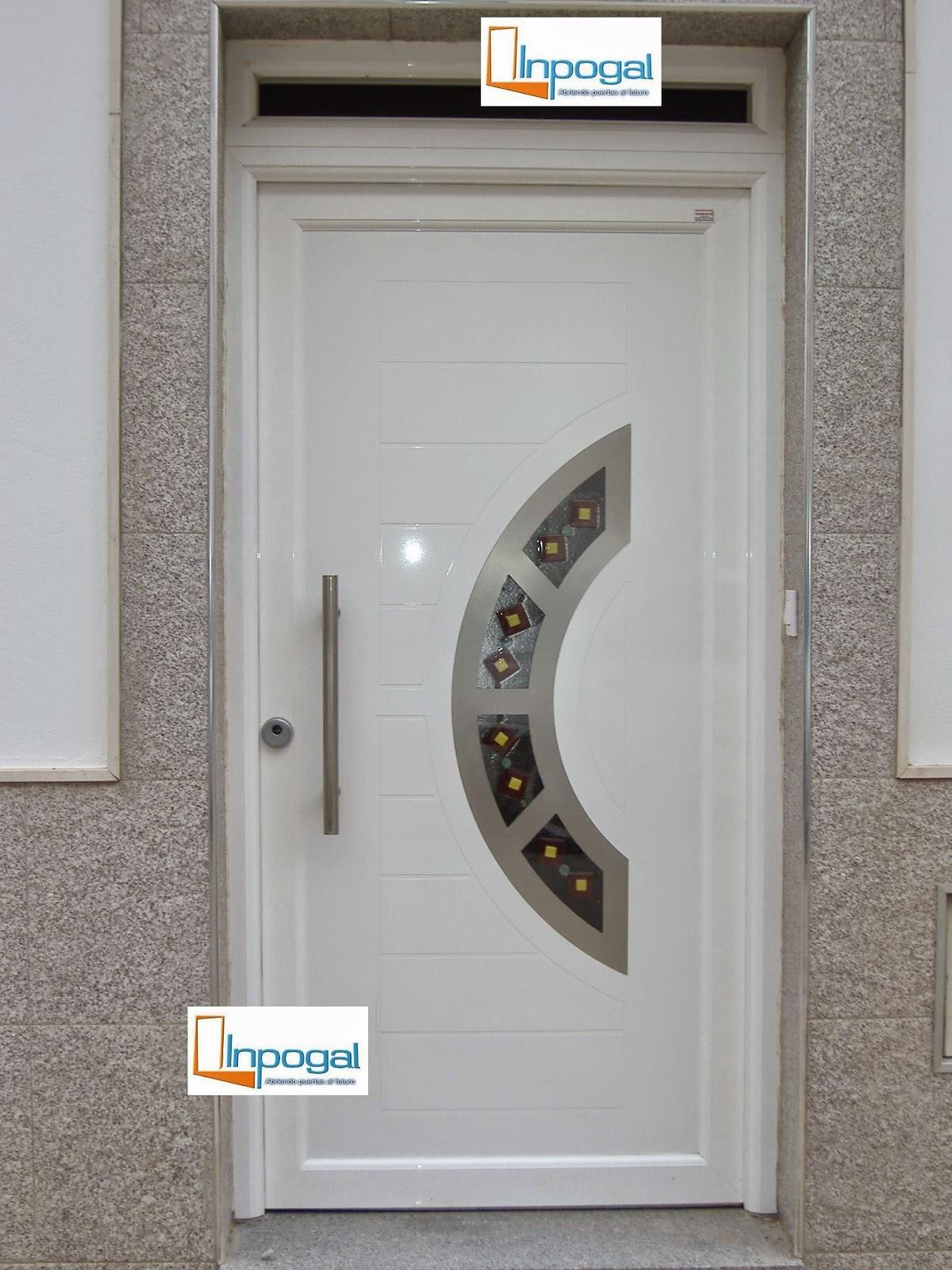 Todo puertas modernas en aluminio for Puertas de metal con vidrio modernas