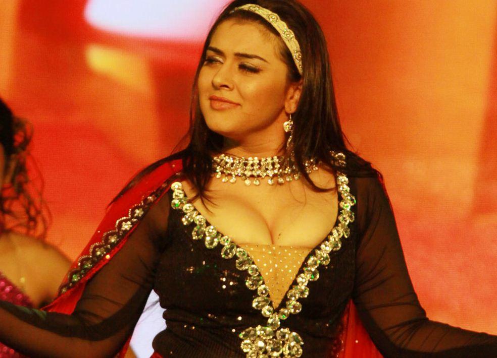 Hansika Motwani Boob Show  Nude Bollywood-5474