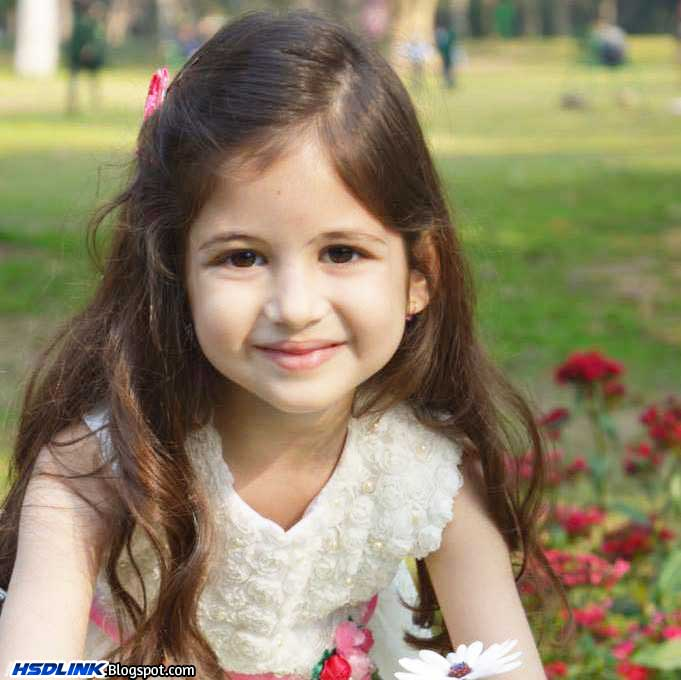 Harshaali Malhotra Very Cute Unseen HD Wallpapers, Images