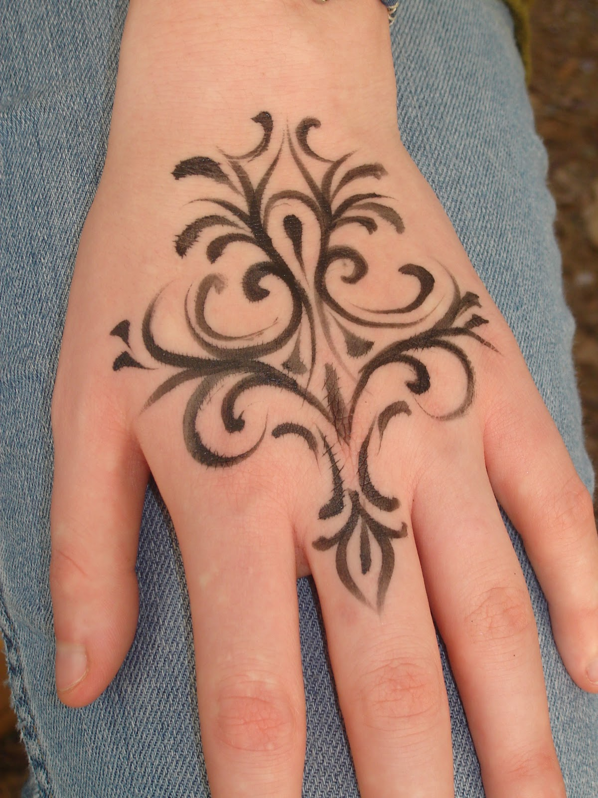 Simple Henna Tattoo Designs For Wrist: Henna Tatoo Designs