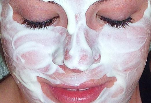 10 manfaat yogurt masker wajah buatan sendiri
