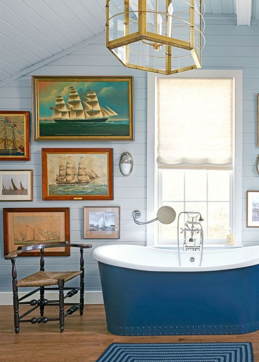 Maritime Art in Bathroom