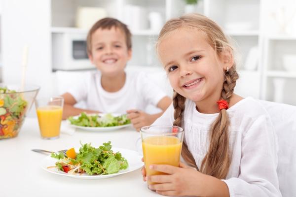 Cara Ini Bisa Mengatasi Anak Susah Makan Buah dan Sayur, Dijamin Ampuh lho! buktikan sekarang