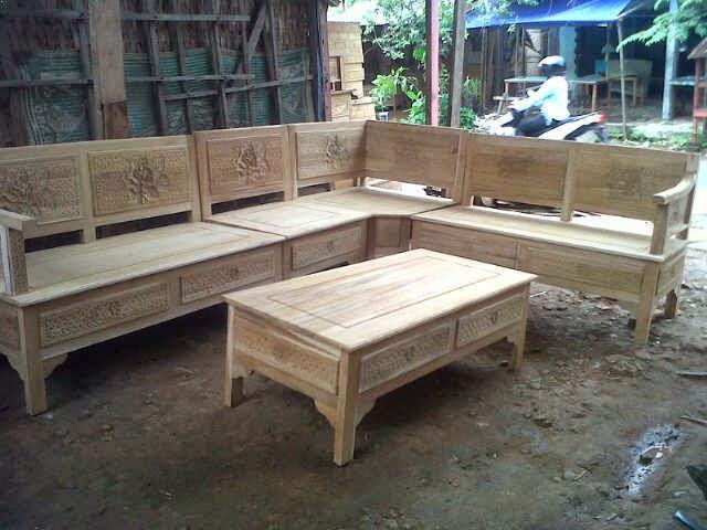 kursi kayu sudut