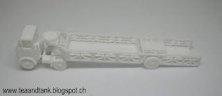 1/144 Crossley Q tractor with Queen Mary trailer