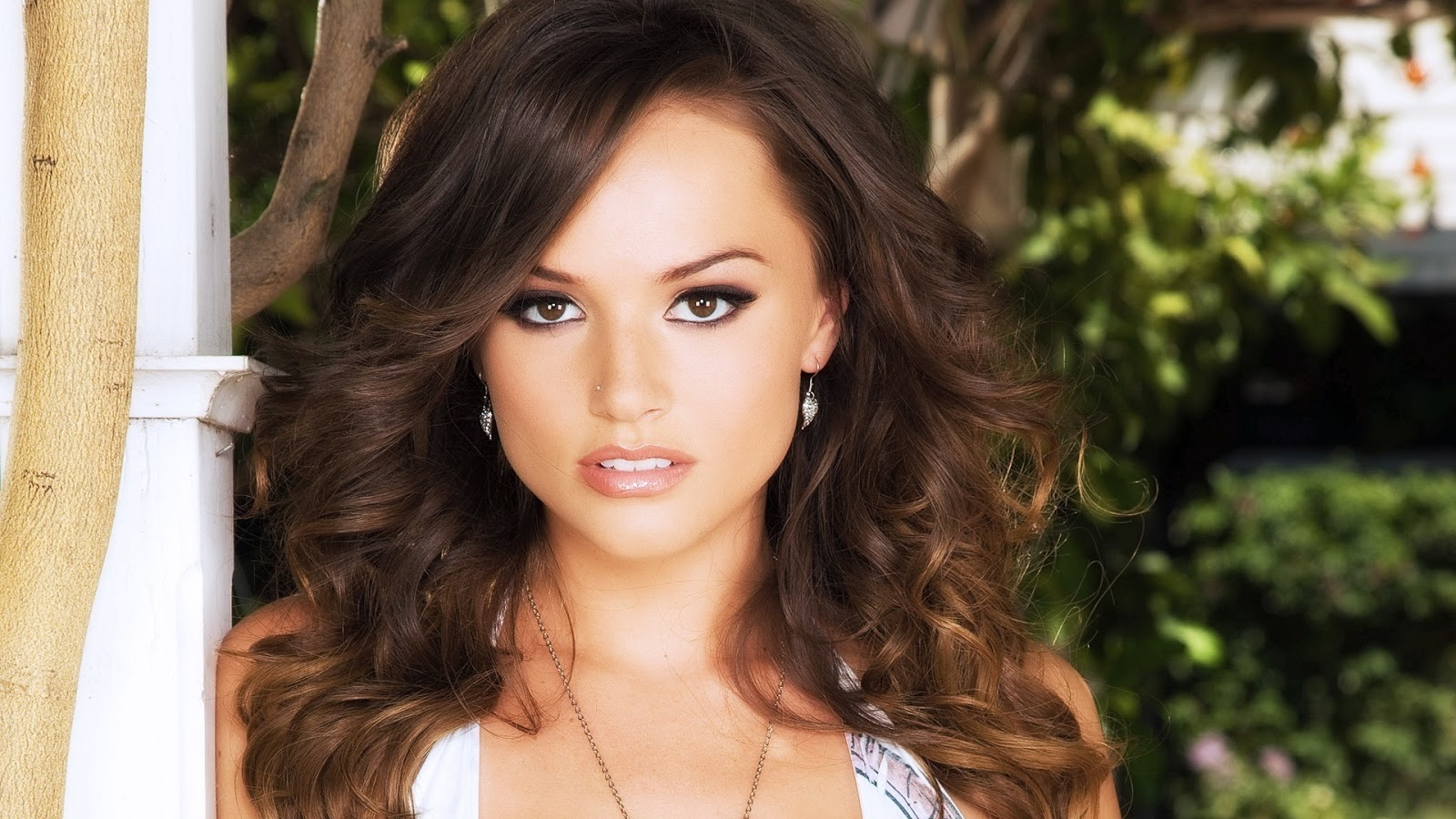tori black pretty wallpaper