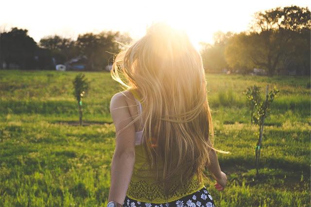 cabello rubio largo