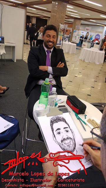 Caricaturista de eventos e festa é Marcelo Lopes de Lopes