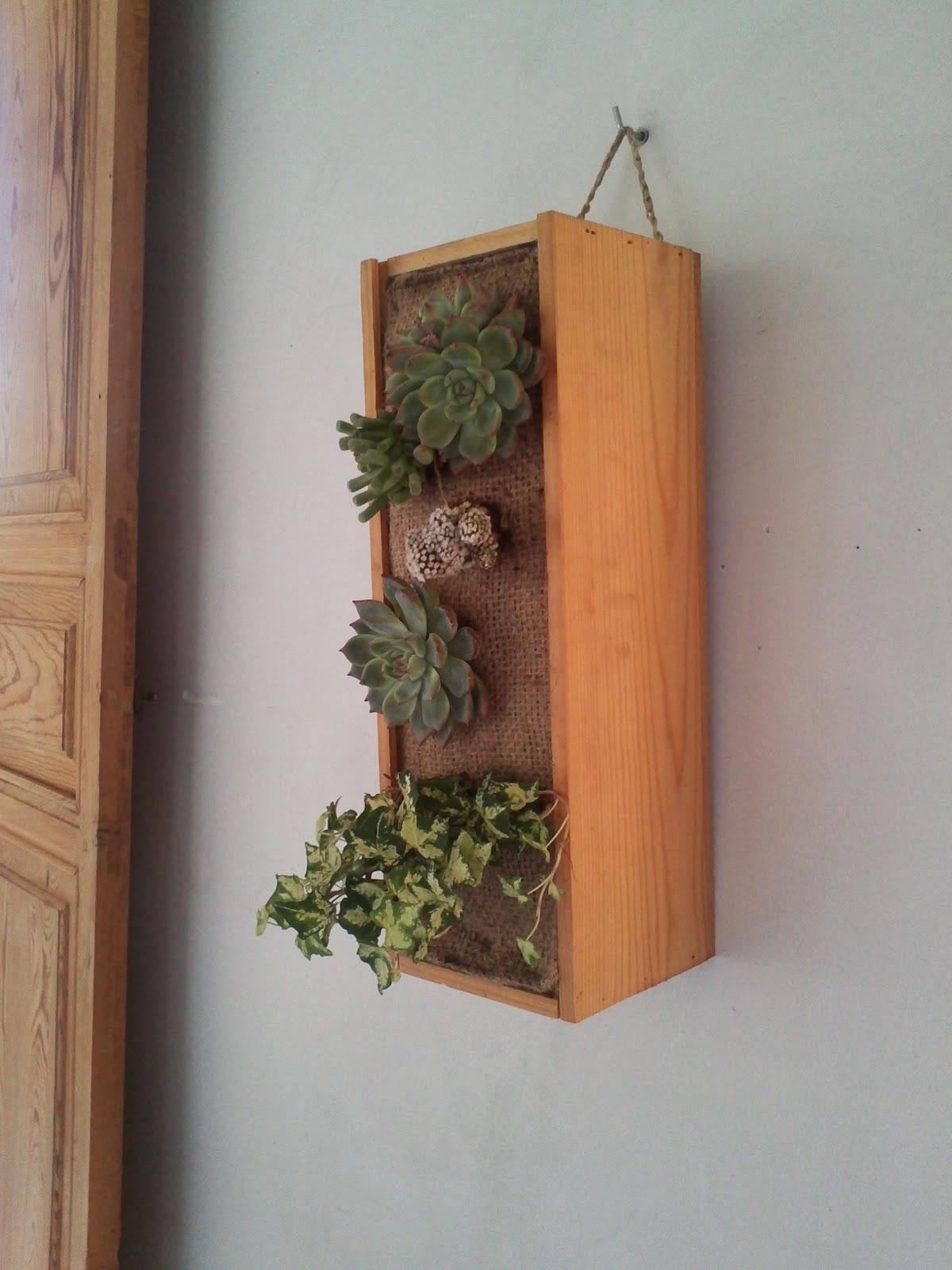painting cat jardin vertical vertical garden. Black Bedroom Furniture Sets. Home Design Ideas