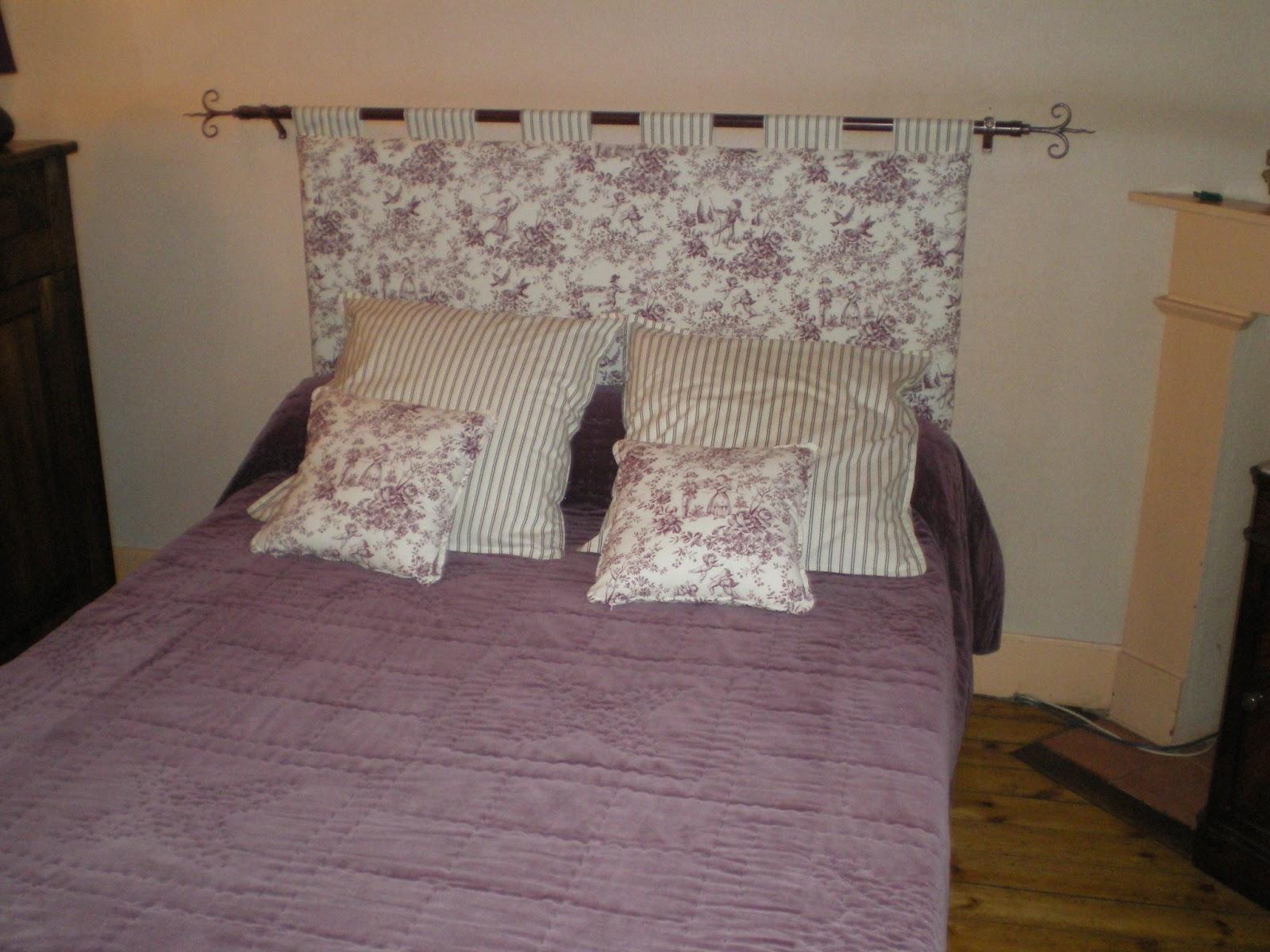 tete de lit papier peint capitonn. Black Bedroom Furniture Sets. Home Design Ideas