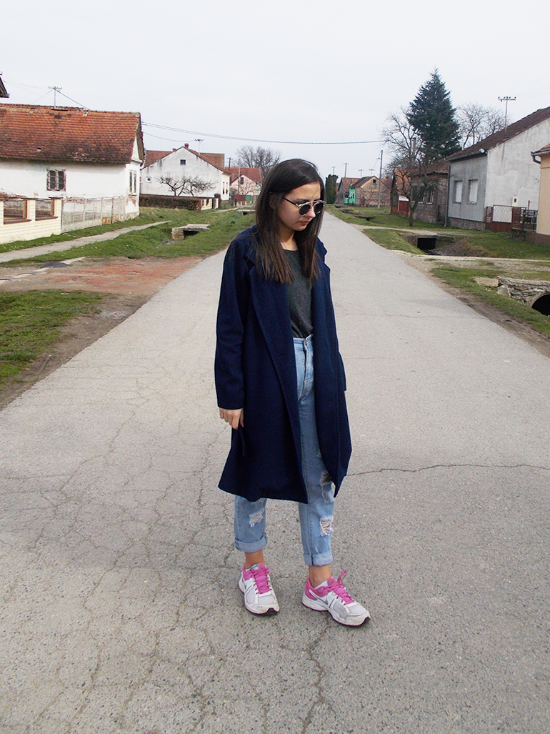 fashion with valentina blog,fashion blogger valentina batrac,teen croatian fashion bloggers,hrvatske fashion blogerice,long coat outfit ideas,how to style long coat,how to wear long coat with sneakers