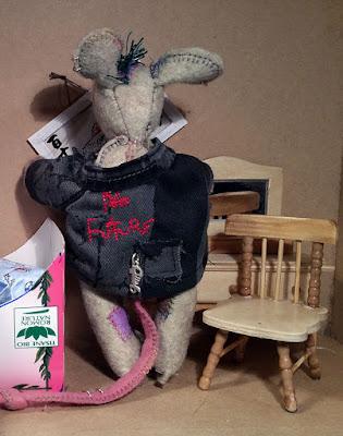 mouse, souris, maison de popupée, dolls house