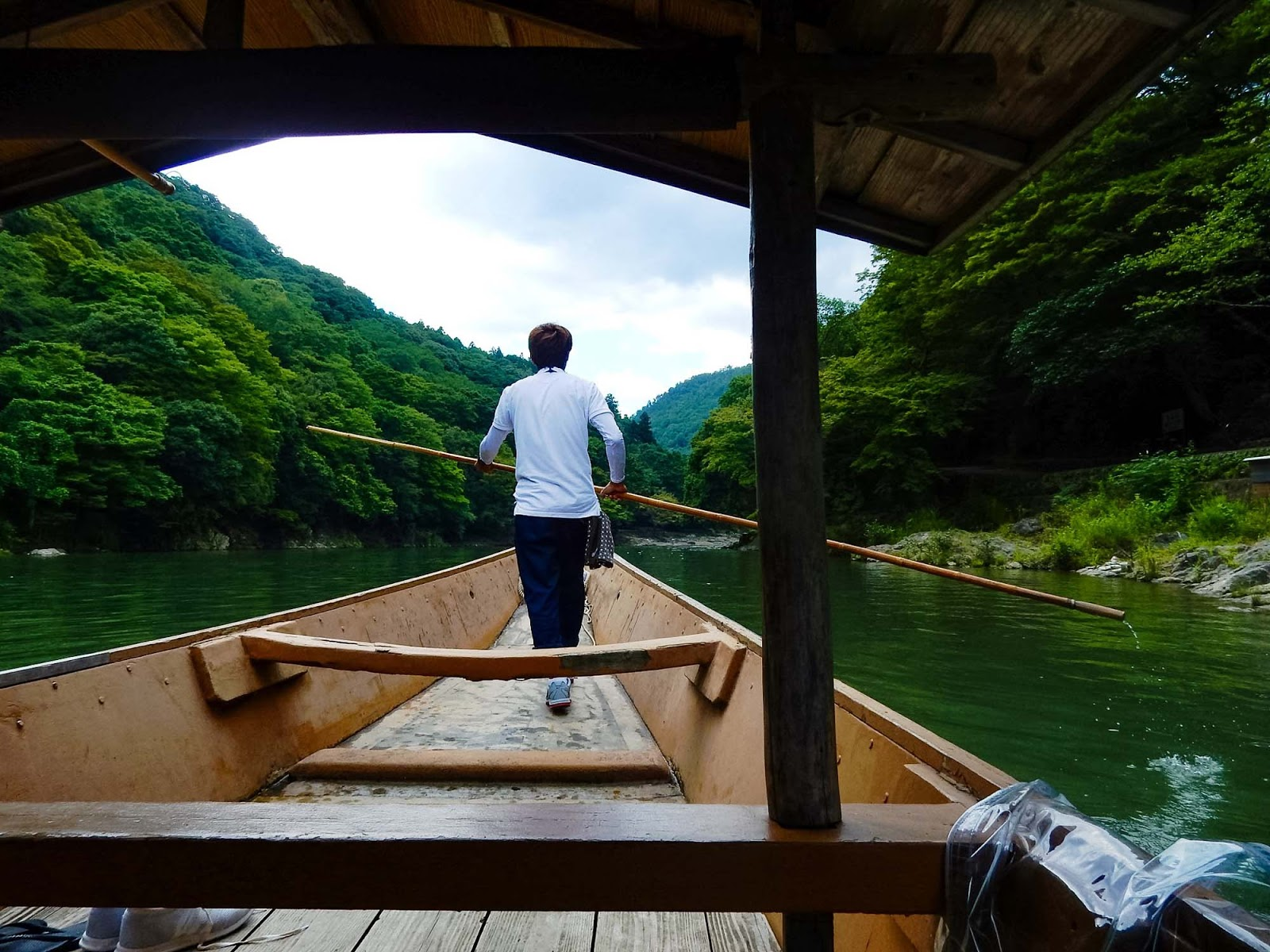 boat ride along oi river