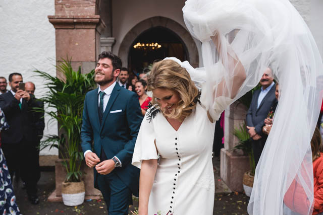 helena mareque vestido novia asturias boda tropical wedding tipi