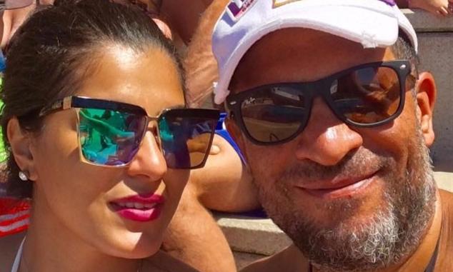 بالصور ماجد المصري يفاجئ متابعيه بجمال زوجته أثناء إجازته