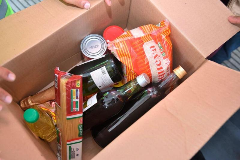 Foto: Lo que traen las cajas navideñas de Leonel
