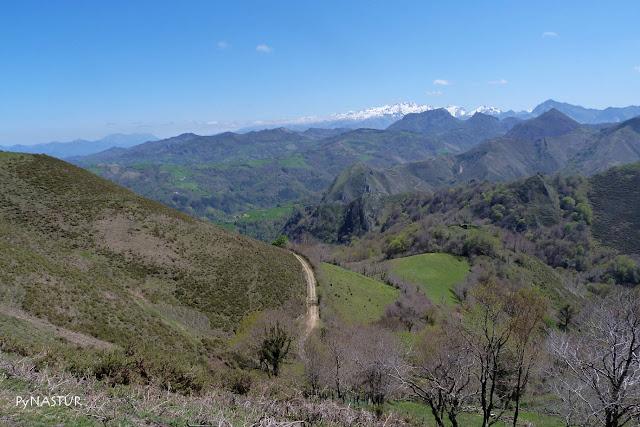 Picos de Europa con la Mota Cea y Cetín - Asturias
