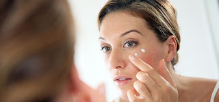 25 Simple Homemade Tips For Anti-Aging