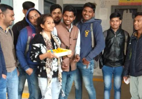 ABVP celebrates Laddu, celebrates the success of Indian Air Force