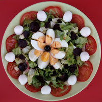 Salada de Alface com BETERRABA, Ovo e Queijo Mozzarela