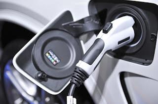 La intención de compra de híbridos y eléctricos supera al diésel y casi iguala a la gasolina